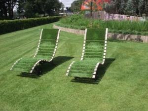 今、人気の人工芝~DIYで施工する!?